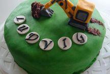 Cakes - mine / cakes made by me - cakesbycamilla on Instagram.