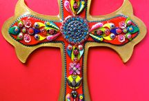 Crosses / by Leticia Medina