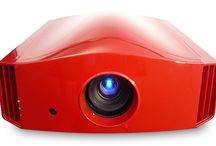DreamVision Siglos 3 4K Active 3D Home Cinema Projector / 3840x2160 4K – 1.4 to 2.8:1 Lens – 150,000:1 contrast ratio – 1,500,000:1 dynamic contrast ratio – 3-chip LCOS 0.7 inch panel  – 1,300 ansi lumens –  THX® 3D Display certification – 400Hz Crystal  Motion®. True Cinema Black III® – Colour Management System certification – Inputs - 2x HDMI rev 1.4a.