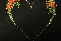 Serduszka haftowane