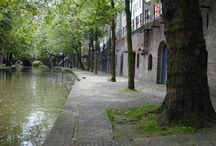 Utrecht Teambuilding Bedrijfsuitje Utrecht  / Speel het bedrijfsuitje Social Chaos vanuit King Arthur met prachtig uitzicht over de Oude Gracht of beleef het bedrijfsuitje The Game en ontdek de mooiste plekjes van Utrecht.