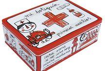 Cajas de metal perfectas para regalar. / Las cajas de Decocuit, regalos originales para chicos y chicas, son una opcióna  tus regalos. Coloridas, divertidas, con un diseño made in Spain, y muy frescas. Para guardar de todo...cada cosa en su sitio!
