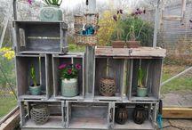 Drivhus-hygge af Livia / Jeg er vild med mit hyggedrivhus både i regn og blæst, i sol og varme.  Jeg vil her lægge billeder ud af hjemmelavede møbler, hygge, blomster osv.  Så er du vild med drivhus og hygge så kig i denne mappe