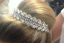 Grinaldas Zurie / locação e confecção de grinaldas : Tiaras, coroas,  porta coque, apliques ,  terços e sem jóias para noivas .