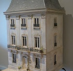 Doll Houses and Miniatures / by Judy Hart