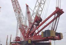 Heavy lifting cranes
