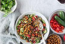 Vegan Salads / Vegan, vegetarian, plant-based salads / Food photography inspiration