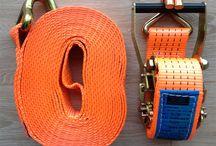 Sjorbanden / Handelsonderneming Watersport4all. http://watersport4all.nl Dekkleden | Zeildoek | Spandoeken en Frames | Vlaggen en Banieren | Vlaggenmasten | Hijs en Sjorbanden | Partytenten | Strokengordijnen | Zeilmakers artikelen | Boothuis - Boothuizen | Nautische stoffering | Watersport | Schaatsen slijpen | Stickers en Belettering.