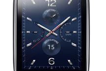 Gear S / De vernieuwde smartwatch die ook zonder smartphone in verbinding staat met het internet.