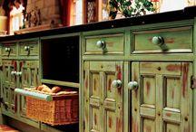 kitchens / by Debbie Schad
