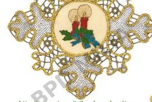 Χριστουγεννιάτικα με λασέ / Χριστουγεννιάτικα κεντήματα και λασέ που ομορφαίνουν και διακοσμούν τα έπιπλά μας.Πωλούνται ετοιμοπαράδοτα ή επι παραγγελία. Γιούλη Μαραβέλη,Βελισσαρίου 13-Χαλκίδα.Τηλ:2221074152.