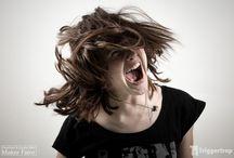 Học hát – Khàn tiếng tốt hay xấu ? / Trong cuộc đời của bất kỳ ai, chắc chắn có những lúc bạn bị khan tiếng hoặc có khi mất luôn cả tiếng, bạn cảm thấy thật tệ vì mình không thể nói được lưu loát như lúc trước. Vậy, nguyên nhân của nó là gì và liệu nó tốt hay xấu cho giọng hát của bạn…Hôm nay, ADAM Muzic sẽ chia sẻ vấn đề này với các bạn nhé.