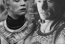 Brienne Tarth y Jaime Lannister / Personajes de Game Of Trones interpretados por la actriz Gwendonline Christie y el actor Nikolaj Coster-Waldau