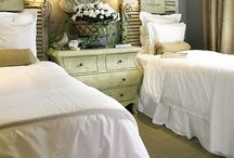 Decorating: Bedrooms / by Lee Ann Wortham