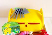 Tarta baúl de juguetes / www.memcakesandcookies.com