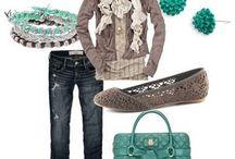 Outfits / by Christy Romansky