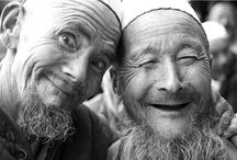 Smiles / by Liz Oleary