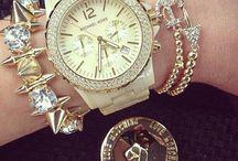 Pulseras de Moda / Los brazaletes o manillas más trending del momento.  Desde el cuero hasta el oro.