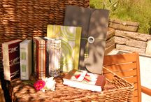 Huga / Huga is a quirky family Irish handcraft business that likes the things that make all of us open-hearted and alive. We love most of all paper related crafts, therefore, hand calligraphy, handmade books and journals, paper flower bouquets are made in the spirit of love and fun.