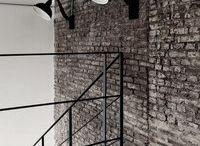 Лофт интерьеры | Loft interiors / Лофт сегодня является одним из самым востребованных стилей для оформления интерьера. Дизайн предполагает большие открытые пространства помещения, не загруженные перегородками стен, строгие прямые линии, а также использование белого цвета в помещениях.