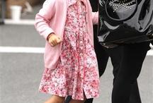 Funny photos / Salma Hayek's daughter and the paparazzi