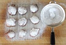 Recipes:  Desserts / by Paula Cronin