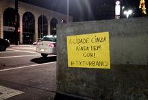 """460 anos de São Paulo / Para o aniversário de 460 anos de SP, o #TXTURBANO espalhou """"adesivos"""" gigantes lá na Av. Paulista."""