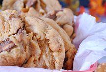 Sweet Treats - Cookies / Must make cookies / by Angela Virissimo