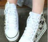 Sneakers / Versatile and comfortable, you will be surly satisfied with the sneaker you bought at Fashion71.