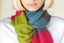 Вязаные шарфы, шапки, перчатки