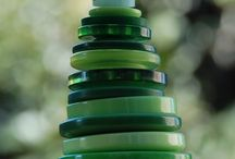 Christmas tree ornaments/decorations