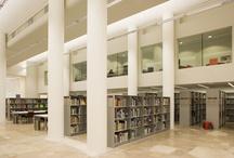Bibliothèque / La bibliothèque de la Cité de l'architecture  & du patrimoine est le pôle documentaire  national de référence en matière  d'architecture contemporaine.  Elle propose également des documents  sur les domaines connexes tels que  l'urbanisme, la construction, le paysage  et le design.