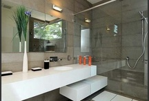 Bathrooms / by Martine Holland