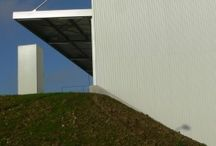 Le Figaro.  / Imprimerie du Figaro à Tremblay en France – Maitre d'Ouvrage : ROISSY PRINT LE FIGARO Architecte de conception : ELD Partners Architecte d'exécution (second œuvre) : LPA Architectes 19 600 m² Année : 2007 - 2009