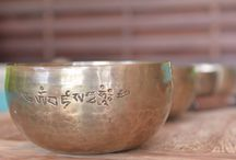 Singing Bowls & Sound Therapy / Sound vibration from Tibetan singing bowls and harmonic chimes can help resonate the body fluid and your energy will cleansed and rejuvenated without any touch!