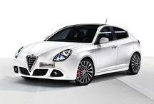Alfa Romeo Giulietta / En una época en la que cada vez es más fácil ser como todo el mundo, Giulietta establece sus propias reglas.