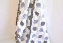 Knitted blanket / by Button Love (Candice)