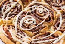 Cinnamon rolls sweet rolls
