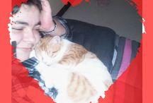 CONCOURS PHOTO SAINT VALENTIN / Animaute, en partenariat avec Chien et Chat tous extras, offrent une soirée de « Pet Sitting » pour la Saint Valentin !!  Pour participer, il vous suffit d'envoyer une photo de votre animal sur le thème de la Saint Valentin à l'adresse suivante : https://www.facebook.com/tous.extras.chien.chat/app_244041225639079  Pour faire votre demande de garde pour la Saint Valentin : http://www.animaute.fr/c_recherche.php  Découvrez dans ce tableau l'ensemble des photos des participants :)