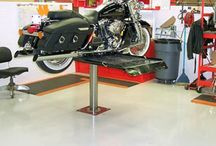 Maintenance Area Flooring / Discover a variety of epoxy flooring options available for vehicle maintenance facilities.