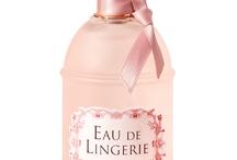 Perfumes addict...#parfums#senteurs#perfumes / by Mounirath Odjo