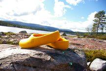 Snoogas tovede tøfler opplever naturen / Hva slags trolsk natur!  Snoogas blir kjent med Norge. Og du kan bli kjent med Snoogas på www.snoogas.com.
