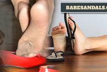 Baresandals.com / Girls beautiful feet and shoes