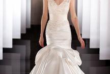 Wedding Dresses / by Christina Darcangelo