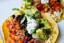 Easy Pleasy Dinner Ideas / by Melissa Romero