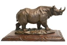 Art, Artifacts & Objets / Decorative antique & vintage items that add character to a space.