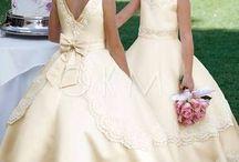 Bloemenmeisjes Jurken / Het kan geen perfecte en grote bruiloft zijn zonder zulke bloemenmeisjes jurken! Okmi biedt altijd goedkope bloemenmeisjes jurken van topkwaliteit aan voor u!