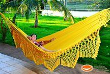 Rede de Dormir Clone Amarela / Uma Rede de dormir em sua cor amarela, fabricada com o fio 100% algodão ,simples e ao mesmo tempo sofisticada. Possui uma mamucaba que dá reforço e beleza aos punhos além de proporcionar a rede de descanso um acabamento sofisticado , parcelamento sem juros e frete grátis para todo o Brasil  http://www.redesdedormir.com/produto/285942/rede-de-dormir-clone-amarela