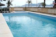 Construcción de la piscina del Hotel Uyal en Pollença (Pollensa). Mallorca
