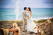 Bodas Riviera Maya / Celebra el día de tu boda en medio de la exuberante selva del Caribe Mexicano y sobre las resplandecientes costas turquesa del Mar Caribe.